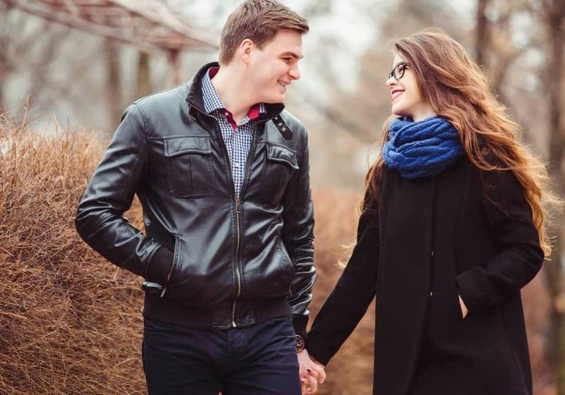 138 Romantic & Interesting Questions To Ask A Girl